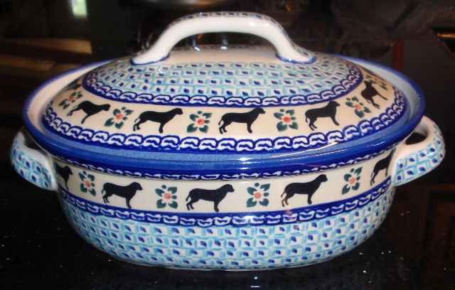 Dog blue Oval covered casserole2.JPG
